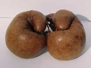 EXTREMELY RARE MUSEUM QUALITY ANTIQUE BERG PROFESSIONAL BOXING GLOVES