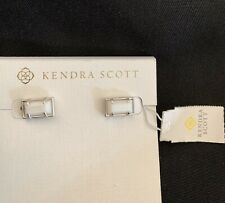 Kendra Scott Paola Silver Stud Earrings In White Pearl