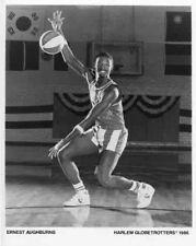 Ernest Aughburns 1986 Harlem Globetrotters 8 X 10 Photo