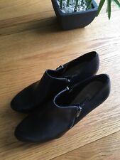 Ladies Clarks Shoes Black Size 6.5