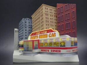 FOOD DINER CAR CITY SCAPE RESIN DIORAMA SCENE BACKGROUND DISPLAY PROP 1:64 SCALE