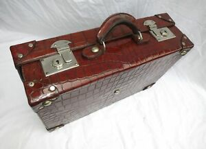Stunning Vintage Crocodile Cornered Suitcase Briefcase Antique