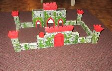 Louis Marx Medieval Castle Fort Playset rare w/knights  horses warriors  1956