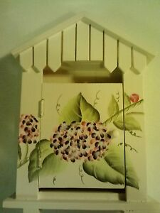 New Cute Wooden Key Holder House with Door and 4 Key Hooks (See Pics!)