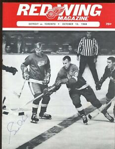 Oct 13 1968 NHL Program Maple Leafs at Red Wings Gordie Howe Autographed EXMT