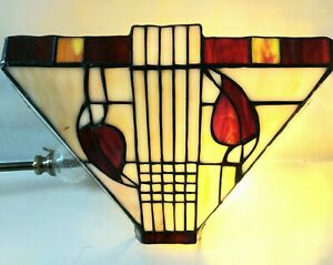 Tiffany Style Wall Light Uplighter Stained Glass Lamp Deep Red, Creams Tested