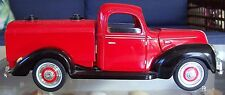 GOLDEN WHEEL 1:18 Scale Die Cast Red Fuel Delivery Truck 1940 Ford Flat Head V8