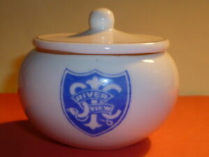 WH GOSS Crested China Pomade Box and Lid. Saint Ignatius College Riverview (AUS)