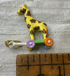 dollhouse miniature Giraffe Vintage Style Metal  Painted Pull Toy EVL49
