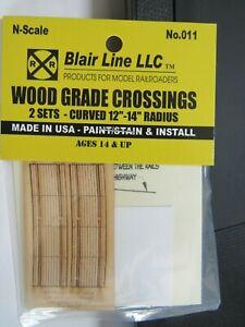 Blair Line N Scale Wood Grade Crossings 2 Lane CURVED  #011 The Train Guy