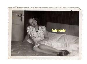 *German Frauen* 1940s WWII Era German Photo Women Swimsuits Non Nude  r7