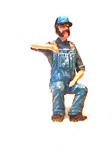 """SEATED ENGINEER (NEW) O On30 1/4"""" Model Railroad Unpainted Figure FGORL03"""