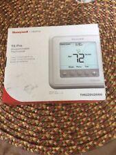 Honeywell T6 Pro Programmable Thermostat  TH6220U2000