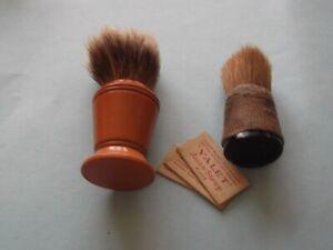 Men's vintage 2 shaving brushes & Valet unused razor blades Display/remenis