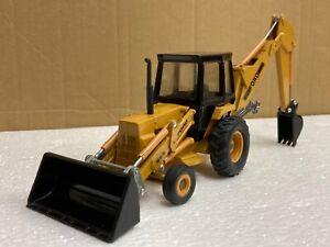 1/32 scale Ertl 1456 Ford 555 backhoe loader tractor digger