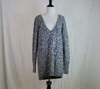 Women's Lane Bryant Black & White Long Sleeve V Neck Sweater NWT - Size 14/16