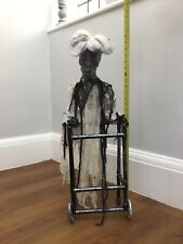 halloween Zombie Granny Annimated Party Prop Zimmer Frame Lights Sound