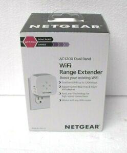 NETGEAR AC1200 WiFi Range Extender - White