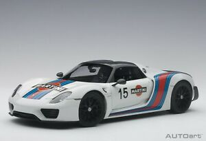 1/18 AUTOart Porsche 918 Spyder Weissach Package (White with Martini livery)
