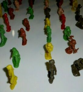 Toy Soldiers plastic vintage lot 1960s  **SEE MY OTHER ITEMS FOR SALE