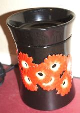 Scentsy Full Size warmer - Daisies Black w/ red flowers