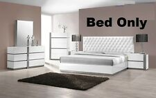 Modern Bedroom White Lacquer Exterior 1Piece Est King size Bed Crystal Furniture