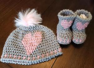 Crochet newborn baby hat bootie set gray pink heart gift present handmade