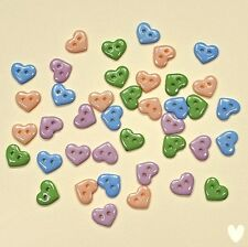 Boutons Galore minuscules boutons Pastel Hearts 1828 - il habille