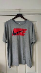 Nike Grey Red Print T-Shirt Size XXL *VGC*