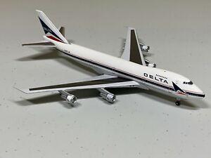 Super Rare old color Big Bird 1/400 Delta Airlines B747-200
