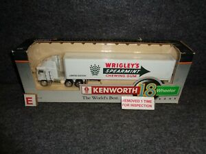 WRIGLEY'S SPEARMINT CHEWING GUM KENWORTH 1/64th  TRUCK Die Cast NEW IN BOX E