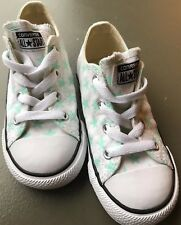 Converse All Star Infant / Toddler Size 9 White With Stars