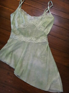 GREEN TOP by DUCK 7 POND with adjustable straps Size SMALL