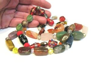 HAND STRUNG BEAD NECKLACE AGATE, GLASS 28 INCHES LONG   105.2 GRAMS