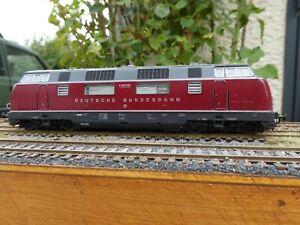 Locomotive diesel de la DB de type V200 035 de la marque Roco ref 43522 HO