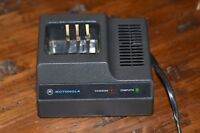 USED GOOD CONDITION MOTOROLA NLN7646A Walkie Talkie Radio Chargers