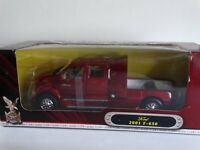 Road Signature 2001 Ford F-650 Pickup Truck Hitch Tow 1:24 Scale Diecast