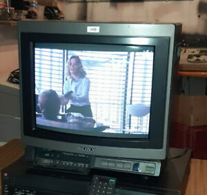 "Sony Trinitron KV 1442FE ecran 14"" monitor color pro video vintage telecommande"