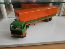 Tekno Holland Volvo F89 F-89 + Long Trailer in Green/Orange on 1:50