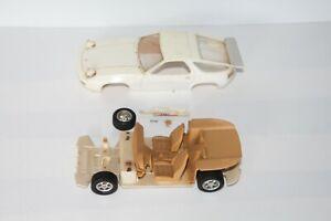 Vintage 1:24 Plastik Modell Bausatz Porsche für Bastler unbemalt defekt + Motor