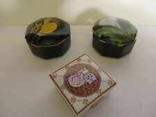COLLECTION OF PORCELAIN TRINKET/JEWELRY BOXES