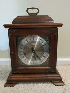 VINTAGE HAMILTON WALNUT MANTLE CLOCK FRANZ HERMLE 1050-020 WITH KEY WORKING