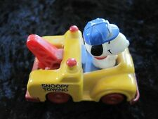 Towing Car Peanuts Snoopy Toy 2.5'
