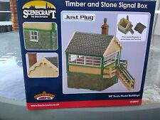 Bachmann Scenecraft Timber and Stone Signal box ref 44-0042