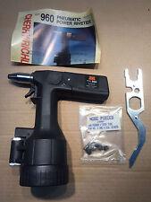 Pneumatic Cherry Power Riveter 960 Riveting Tool