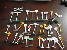 Large Lot of Ho Scale Street Signs and Other Signs Accessories