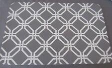 Placemats Set of 4 Plastic Table Settings Elegant Lattice GRAY & WHITE