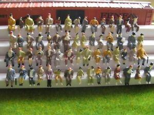 Figuren sitzende Reisende ideal für Waggons Spur H0 Konvolut Set 50 Stück F50a