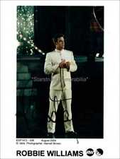 ROBBIE WILLIAMS AUTOGRAPH *THE HEAVY ENTERTAINMENT SHOW* HAND SIGNED 10X8 PHOTO