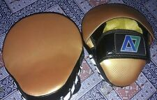 A7  Focus Pads Hook & Jab Mitts Kick Boxing MMA Strike Punching Kick Curved